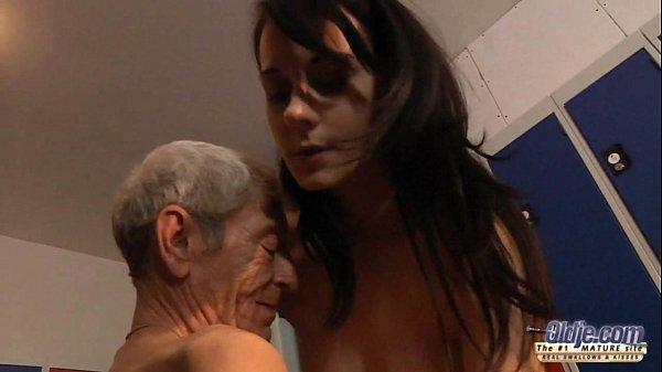 Neta Fudendo com Avô