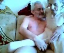 Casal de idosos fazendo amor